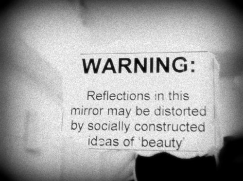beautiful-beauty-mirror-photography-typography-Favim.com-227346_large